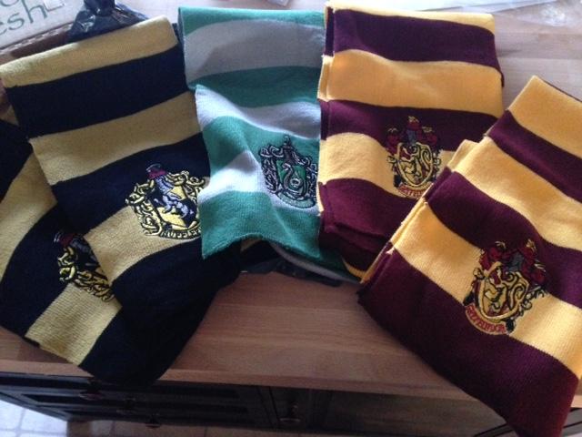 hp scarves